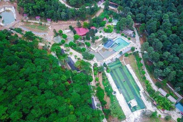Bên trong khu sinh thái khủng ở Sóc Sơn chính quyền xem là nhà tạm - Ảnh 1.