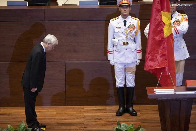 Những hình ảnh ấn tượng trong Lễ tuyên thệ nhậm chức của Chủ tịch nước Nguyễn Phú Trọng - Ảnh 5.