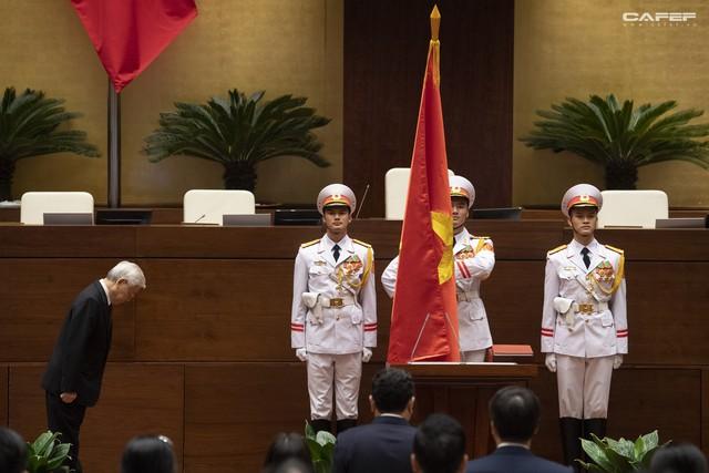 Những hình ảnh ấn tượng trong Lễ tuyên thệ nhậm chức của Chủ tịch nước Nguyễn Phú Trọng - Ảnh 4.