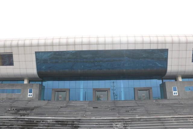 Cận cảnh nội khu nhà hát 117 tỉ đồng đắp chiếu ở Hà Nội - Ảnh 2.