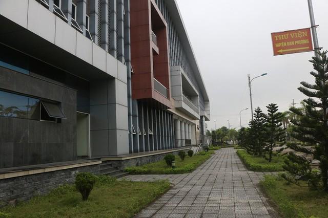 Cận cảnh nội khu nhà hát 117 tỉ đồng đắp chiếu ở Hà Nội - Ảnh 14.