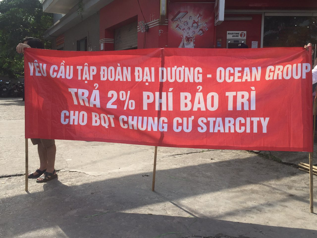 Ocean Group chây ì, cư dân Starcity tiếp tục căng băng rôn đòi lại 16 tỷ đồng tiền quỹ bảo trì - Ảnh 2.