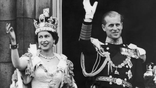 Cuộc hôn nhân đẹp như cổ tích của Nữ hoàng Anh Elizabeth và Hoàng tế Philip - Ảnh 8.