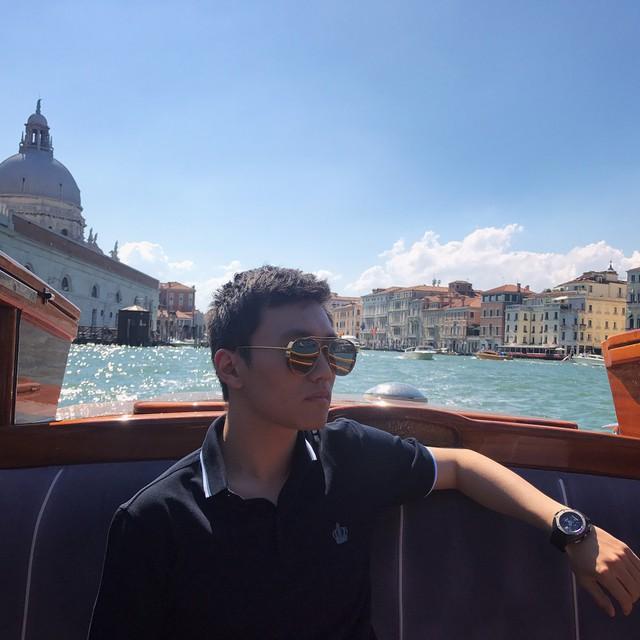 Chân dung tân chủ tịch Inter Milan: 27 tuổi, con trai tỷ phú Trung Quốc, đẹp như tài tử - Ảnh 10.