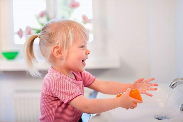 Trẻ mắc tay chân miệng cần có chế độ dinh dưỡng như thế nào? - Ảnh 12.