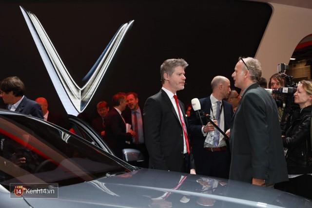 Màn ra mắt 2 xe hơi của VinFast: Đẳng cấp và thấm đẫm tinh thần tự hào dân tộc! - Ảnh 15.