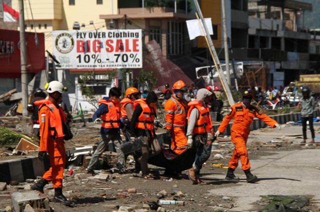 Số người chết sau thảm họa kép ở Indonesia tăng vọt lên 1.347 - Ảnh 3.