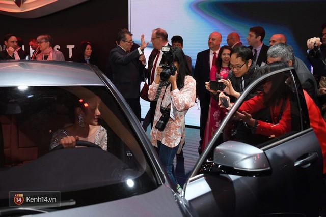 Màn ra mắt 2 xe hơi của VinFast: Đẳng cấp và thấm đẫm tinh thần tự hào dân tộc! - Ảnh 9.