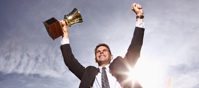 Khủng hoảng sự nghiệp sau tuổi 40: Ai rồi cũng có lúc khó khăn nhưng hãy nhớ 4 thực tế này, bế tắc nào cũng có lối giải thoát! - Ảnh 1.