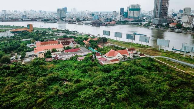 Cận cảnh khu đất vàng ở Thủ Thiêm, nơi chuẩn bị xây nhà hát giao hưởng 1.500 tỷ đồng - Ảnh 6.