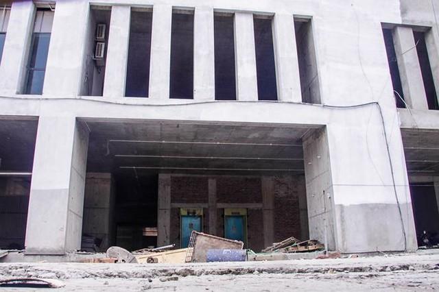 Cận cảnh tòa nhà nghìn tỷ cao thứ 3 Hà Nội bị ngân hàng siết nợ - Ảnh 5.