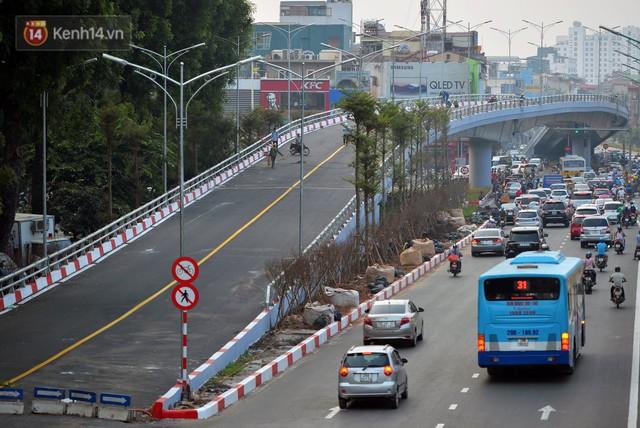 Clip, ảnh: Cận cảnh cầu vượt hơn 300 tỷ ở nút giao An Dương - Nghi Tàm trước ngày thông xe - Ảnh 12.