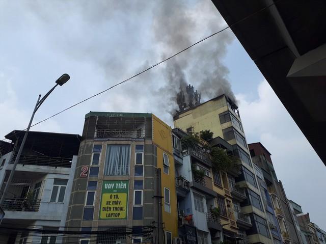 Cháy quán Karaoke trên phố Hào Nam: Do chủ nhà đốt vàng mã ngày mùng 1 - Ảnh 6.