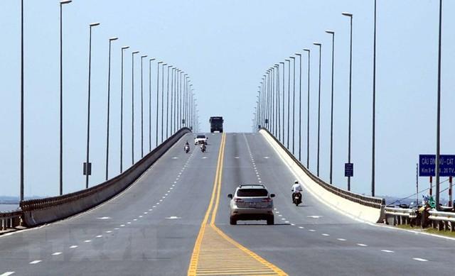 Cận cảnh cầu vượt biển dài nhất Việt Nam tại Hải Phòng - Ảnh 3.