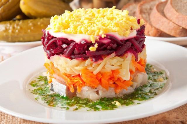 Không chỉ gồm rau củ, món salad truyền thống ở các nước được chế biến cầu kì và tinh tế như thế này đây - Ảnh 4.