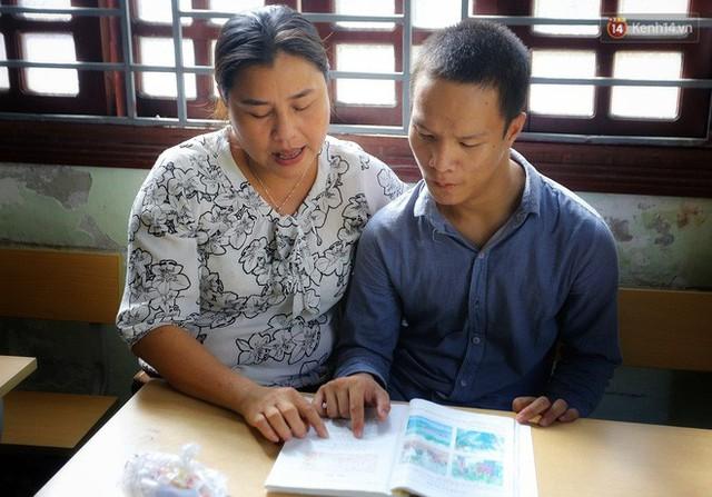 Chuyện của má Loan và những đứa con đặc biệt: Từ bỏ giảng đường, vào Hội An chăm sóc trẻ mồ côi khuyết tật - Ảnh 5.