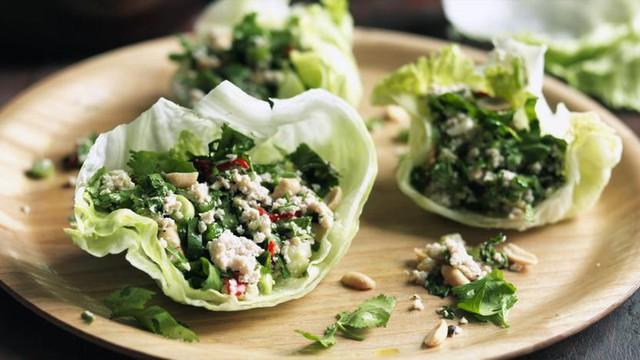Không chỉ gồm rau củ, món salad truyền thống ở các nước được chế biến cầu kì và tinh tế như thế này đây - Ảnh 8.