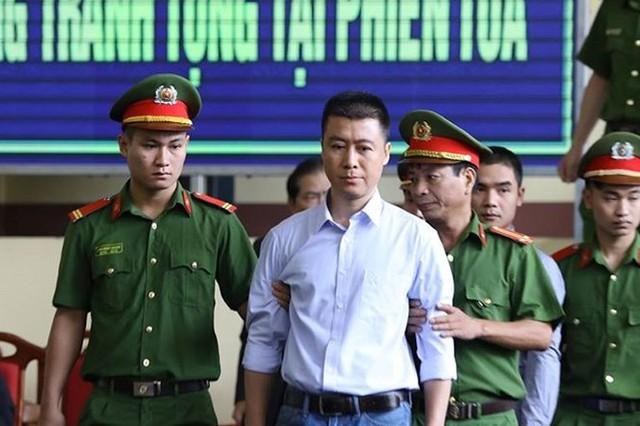 Lật tẩy trò rửa tiền của Nguyễn Văn Dương và Phan Sào Nam - Ảnh 2.