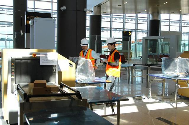 Sân bay quốc tế Vân Đồn hối hả trước ngày cán đích - Ảnh 13.