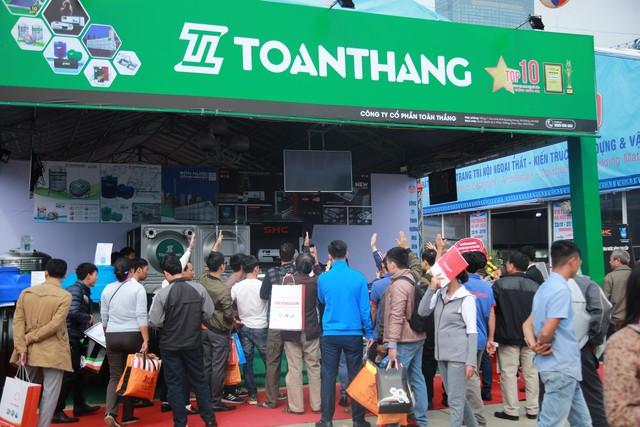 Khai mạc Vietbuild 2018 lần 3 tại TP.Hà Nội: 450 doanh nghiệp với 1.600 gian hàng tham gia - Ảnh 1.