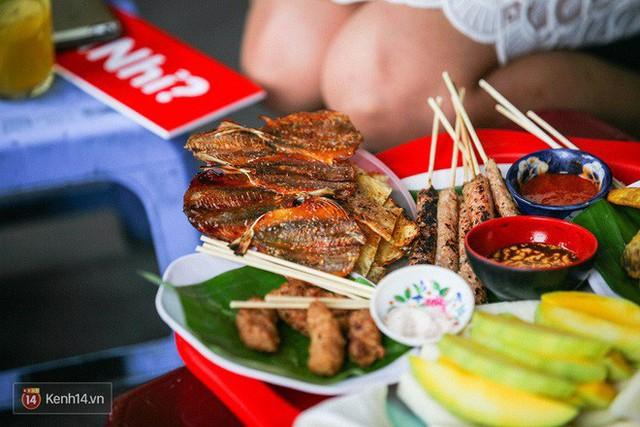 Hà Nội cũng có những ngõ nhỏ bán đồ ăn vặt trứ danh cực thích hợp với thời tiết bây giờ - Ảnh 7.