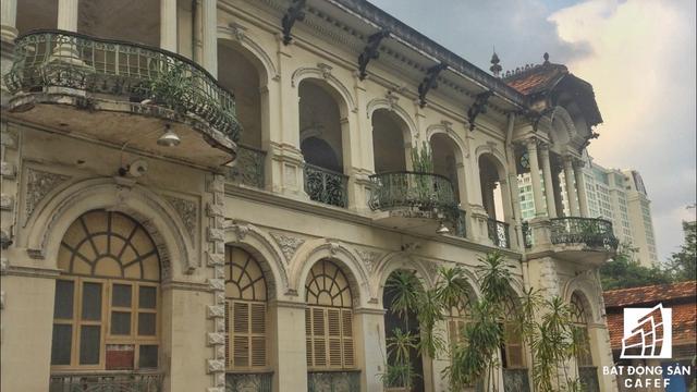 Cận cảnh căn biệt thự cổ gần 100 năm trị giá 35 triệu USD tại Sài Gòn, vừa được đề xuất đưa vào danh mục phải trùng tu hoàn toàn