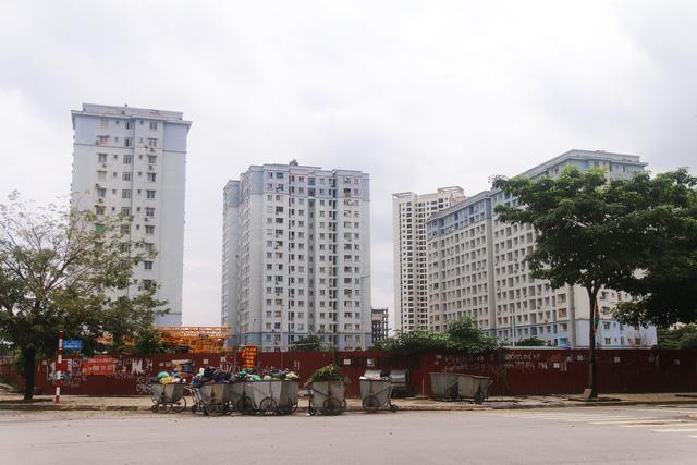 Nguyên Thứ trưởng Xây dựng: Căn nhà không quan trọng bằng chính sách bán hàng tái an cư - Ảnh 2.