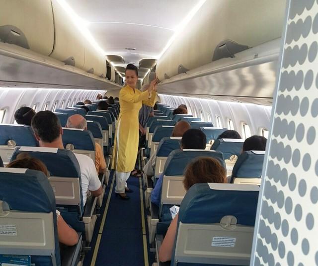 Cuối năm đề phòng trộm cắp hành lý trên máy bay - Ảnh 2.