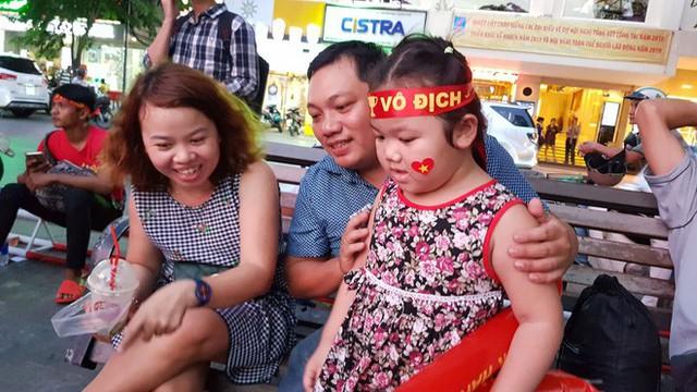 Người hâm mộ ở Sài Gòn tin tưởng đội tuyển Việt Nam sẽ chiến thắng - Ảnh 6.