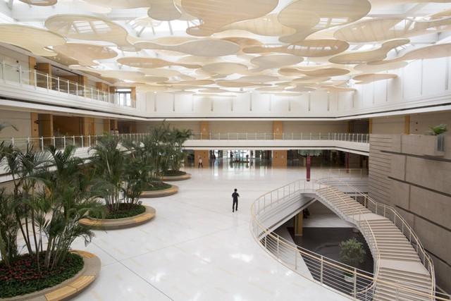 CFO bị bắt, Huawei vẫn lạc quan phát triển kế hoạch định hình tương lai tại trụ sở Thâm Quyến - Ảnh 1.