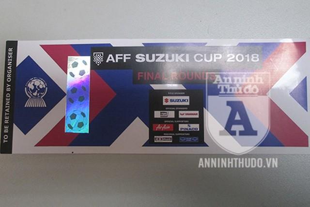 Lời kể cay đắng của nạn nhân bị lừa hàng chục triệu đồng mua vé giả chung kết AFF Cup - Ảnh 2.