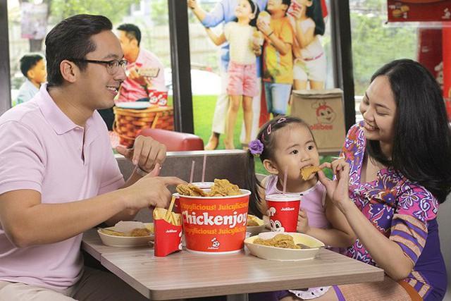 Câu chuyện về Jollibee - thủ phạm khiến đế chế McDonalds mất 40 năm vẫn không thể đứng số 1 tại Philippines - Ảnh 4.