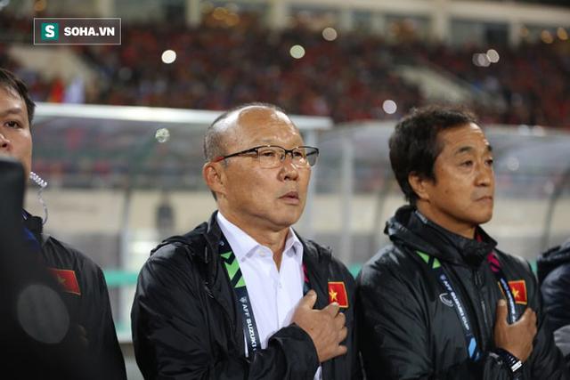 Tiết lộ: HLV Park Hang-seo phải giấu mẹ chuyện dẫn dắt ĐT Việt Nam đá AFF Cup - Ảnh 1.