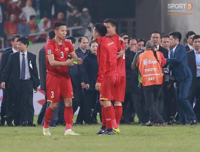 HLV Park Hang-seo chọn Hải Quế và Văn Quyết thay nhau mang băng đội trưởng ở AFF Cup 2018 vì lý do này! - Ảnh 1.