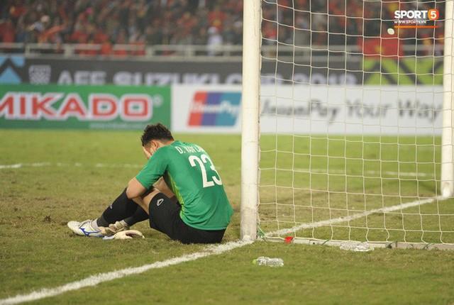 Bố của Lâm Tây tiết lộ lý do con trai ôm cột dọc khóc ngon lành khi vô địch AFF Cup 2018 - Ảnh 2.