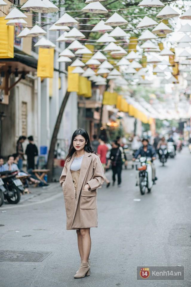 Sau con đường ô lãng mạn, Hà Nội xuất hiện Hội An thu nhỏ với 1.000 chiếc nón lá trên cao - Ảnh 9.
