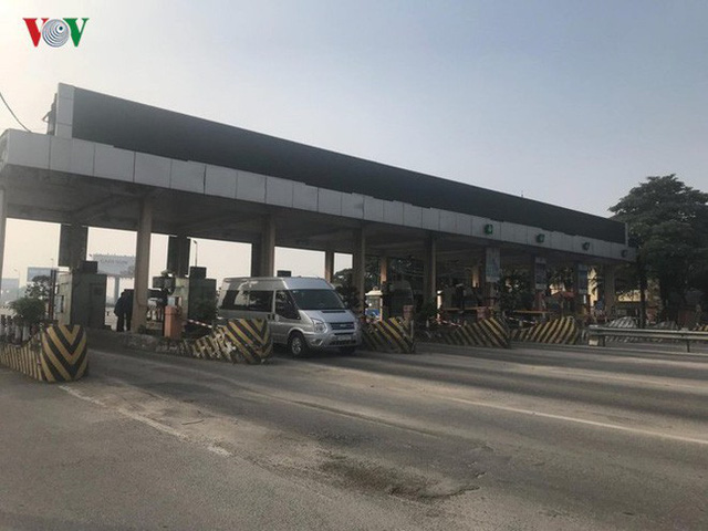 """Hình ảnh trạm BOT Bắc Thăng Long – Nội Bài """"thất thủ"""" do lái xe phản đối - Ảnh 13."""