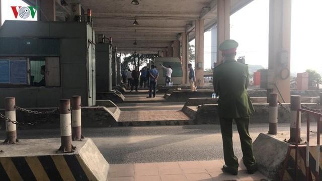 """Hình ảnh trạm BOT Bắc Thăng Long – Nội Bài """"thất thủ"""" do lái xe phản đối - Ảnh 16."""