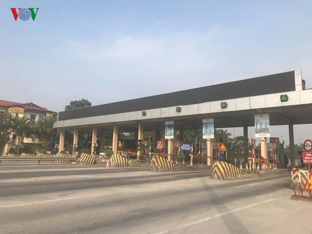 """Hình ảnh trạm BOT Bắc Thăng Long – Nội Bài """"thất thủ"""" do lái xe phản đối - Ảnh 10."""