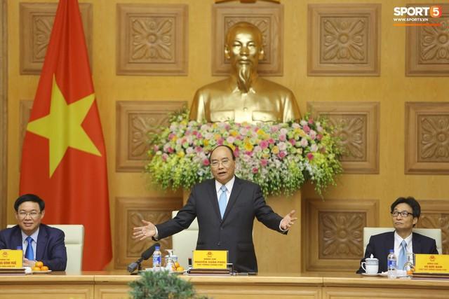 Thủ tướng đề nghị rút kinh nghiệm việc tuyển Việt Nam để mất HLV thể lực Bae Ji-won - Ảnh 1.