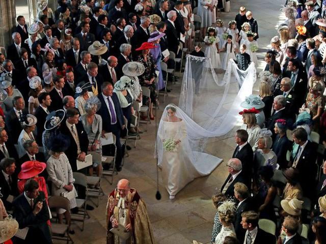 Điểm lại 3 đám cưới hoàng gia đình đám nhất 2018: Đám xa hoa đến mức lãng phí, đám giản dị kín đáo bất ngờ - Ảnh 3.