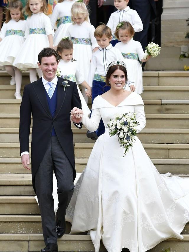 Điểm lại 3 đám cưới hoàng gia đình đám nhất 2018: Đám xa hoa đến mức lãng phí, đám giản dị kín đáo bất ngờ - Ảnh 7.