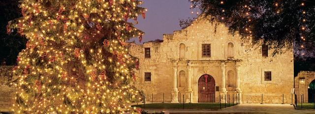 Choáng ngợp khung cảnh Noel ở các trường ĐH: Con nhà giàu sướng thật, đón Giáng sinh cũng chảnh hơn người! - Ảnh 12.