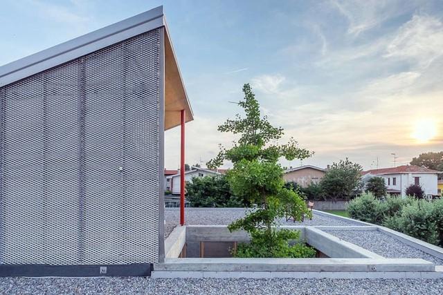 Ngôi nhà được xử lý để thông gió và đón nắng tốt - Ảnh 9.
