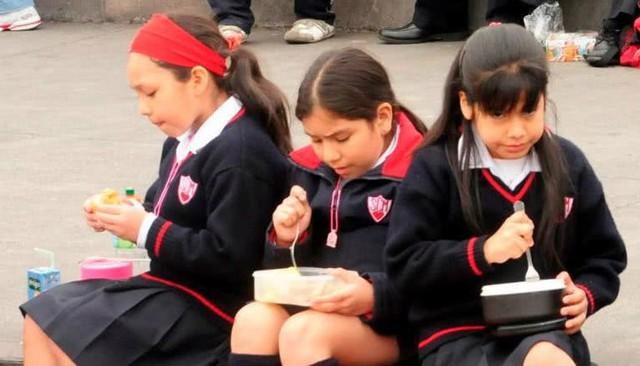 Bữa trưa của học sinh toàn thế giới: Nơi sang chảnh như khách sạn, nơi nghèo đói phải ăn đồ cứu trợ - Ảnh 7.
