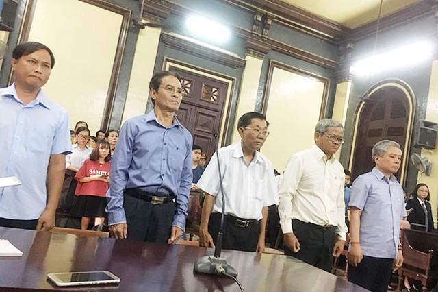 Nguyên Phó Thống đốc Ngân hàng Nhà nước Đặng Thanh Bình sẽ bị xét xử vào ngày 5-12 - Ảnh 1.