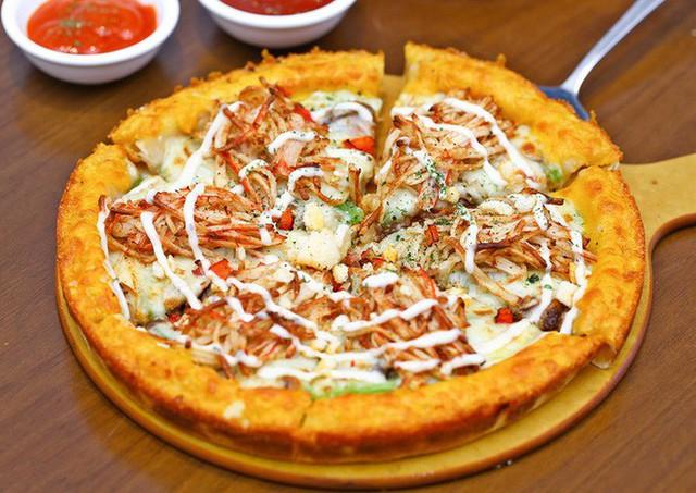 Sững sờ với những chiếc pizza kì dị nhất trên thế giới, có cả loại nhân... ve sầu và chuột lang - Ảnh 5.