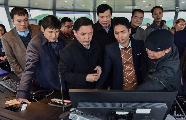 Bộ trưởng Nguyễn Văn Thể thị sát Sân bay Quốc tế Vân Đồn trước giờ cất cánh - Ảnh 1.