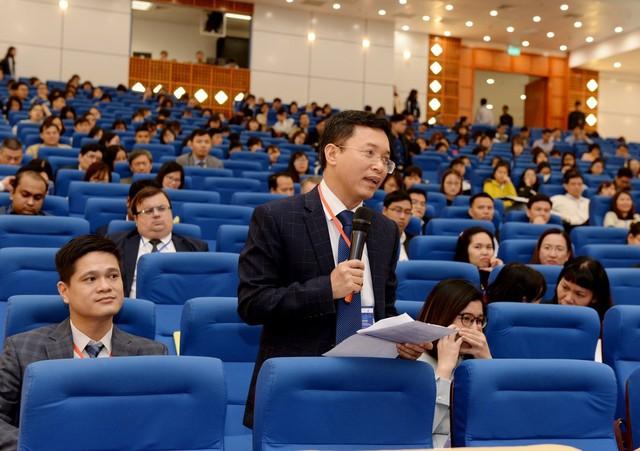 Chuyên gia quốc tế nói về thách thức, thời cơ của nền kinh tế Việt Nam - Ảnh 2.