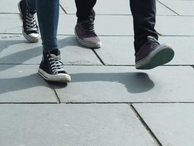 Trung Quốc: Sếp bắt nhân viên mỗi tháng phải đi bộ ít nhất 180 nghìn bước, không đủ sẽ bị phạt tiền trừ thẳng vào lương - Ảnh 1.